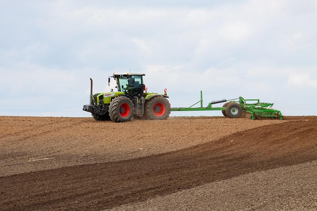 Presowing tillage aggregate - Cultivator KLG-9, Laumetris