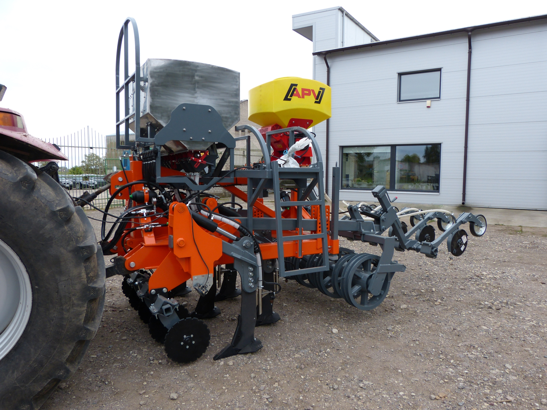 Strip Till Drill / Subsoiler DPL-2.5 with sowing machine, Laumetris