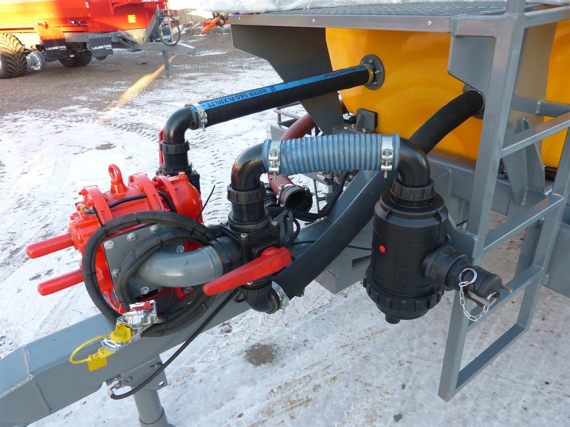 Cisterninė puspriekabė PTL-6V vandenvežis, Laumetris
